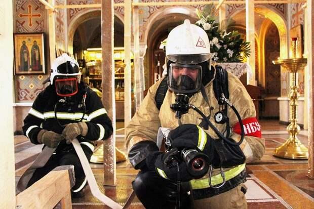 На территории Форосской церкви ликвидировали пожар. Условный