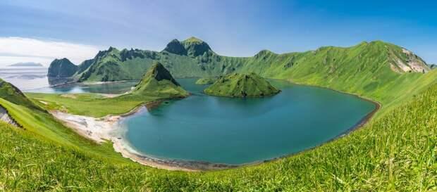 Ушишир: самый красивый остров курильской гряды.