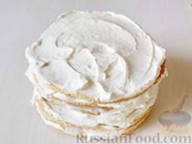 Фото приготовления рецепта: Медовик апельсиновый - шаг №20