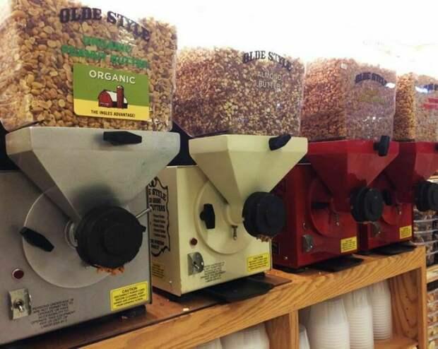 Клюквенное болото и яйца без скорлупы: необычные продукты в магазинах за границей