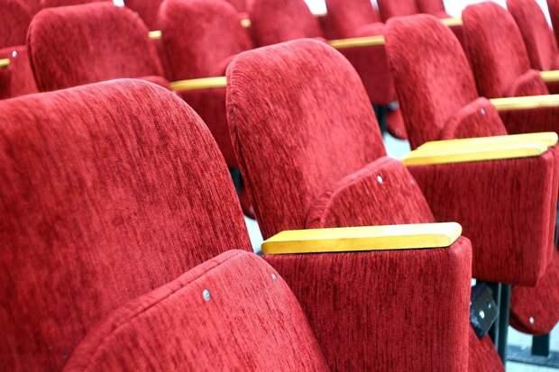 Театрам и кинотеатрам в Удмуртии разрешили заполнять залы на 75%