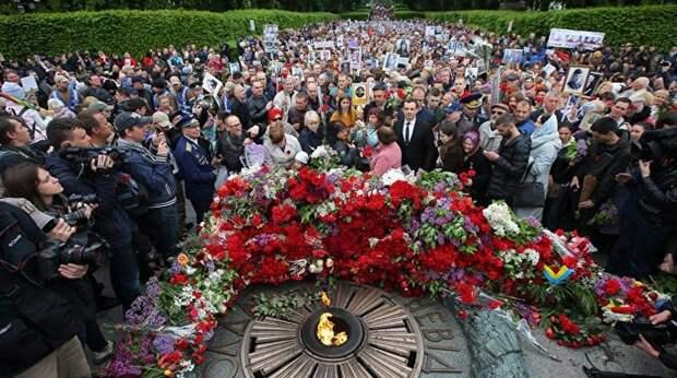 Граждане Украины не сдают власти День Победы