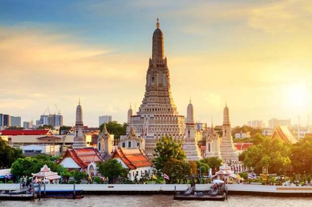 Таиланд с 1 ноября начнет впускать без карантина привитых граждан 46 стран