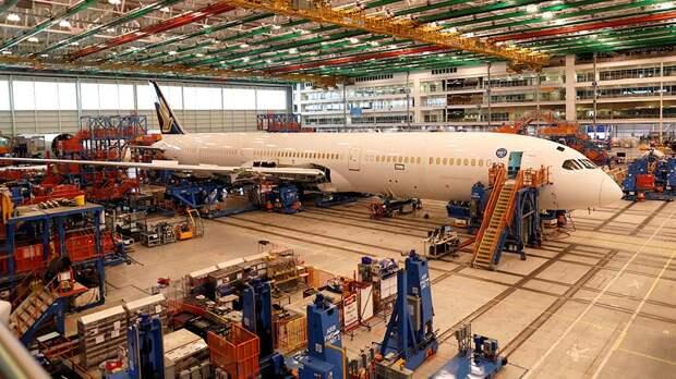 Сборка самолета Boeing 787-10 Dreamliner на заводе Boeing в Чарльстоне, Южная Каролина