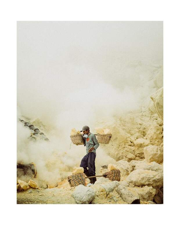 Многоликая современная Франция и экзотическая Индонезия на концептуальных снимках Джонатана Бертана