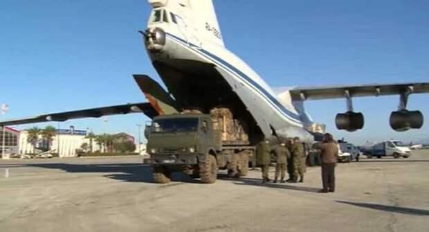 Самолёты ВКС РФ перебросили новые силы в зону боёв у границы с Турцией