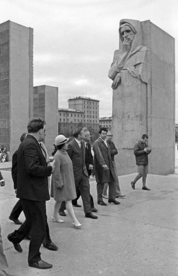 Что американский астронавт, побывавший на Луне, увидел в Советском Союзе? (ФОТО)