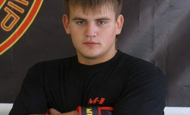 Ученик Емельяненко вышел на ринг к сопернику-гиганту и забрал победу за две минуты