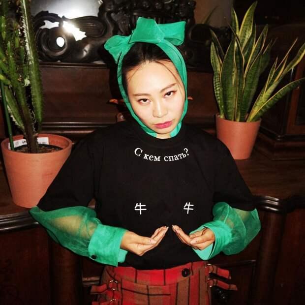 10 фактов о певице, актрисе и режиссере Ян Гэ