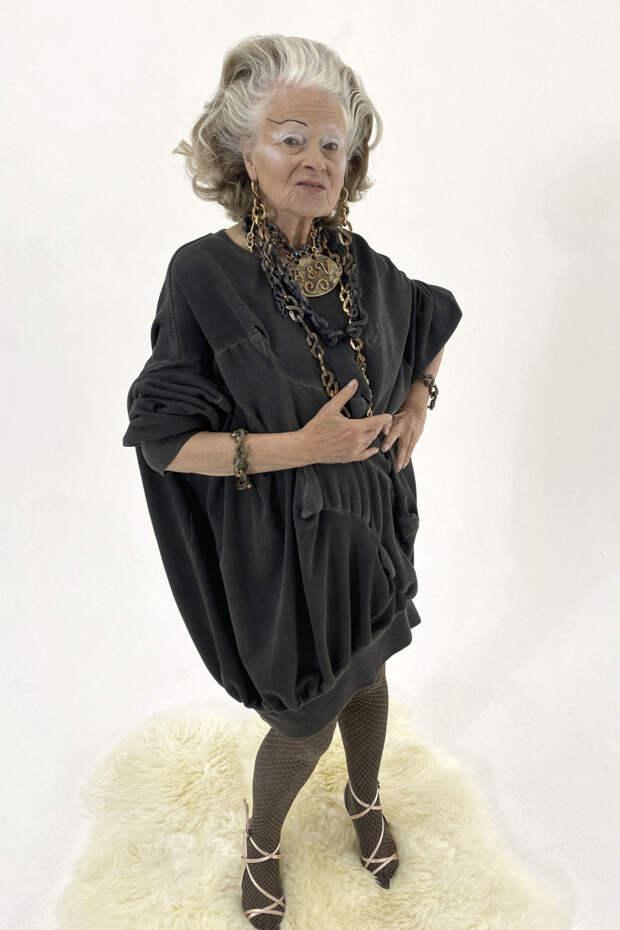 Вивьен Вествуд в лукбуке Vivienne Westwood весна-лето 2021