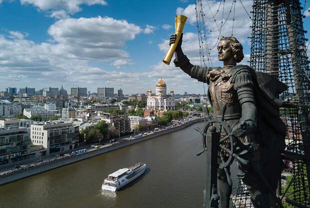 Самые яркие проекты эпохи Лужкова: от Петра I до «Яйца»