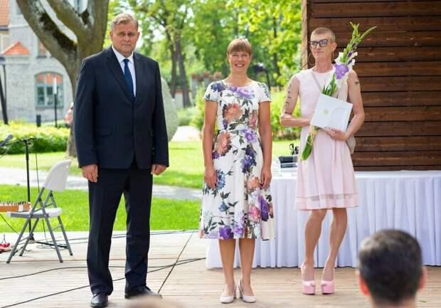 «Традиционная семья — самое опасное место для ребёнка»: заявил в розовом платье эстонский писатель Микк Пярнитс
