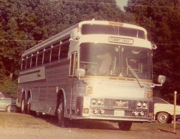 tommy cash bus