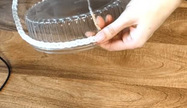 Как сделать из крышки от торта подставку для яиц