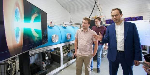 Сергунина: В московском технопарке представили новый двигатель для космических аппаратов. Фото: Е.Самарин, mos.ru