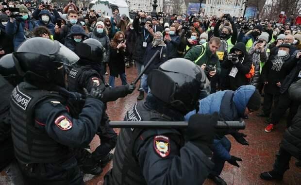 Акции в поддержку Навального прошли: власти с такого рода акциями работать не умеют