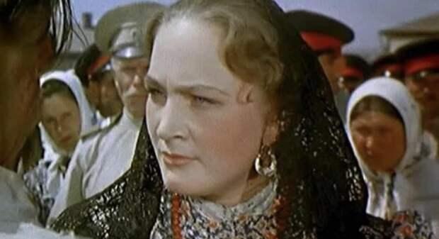 Как сегодня выглядит популярная актриса Людмила Хитяева