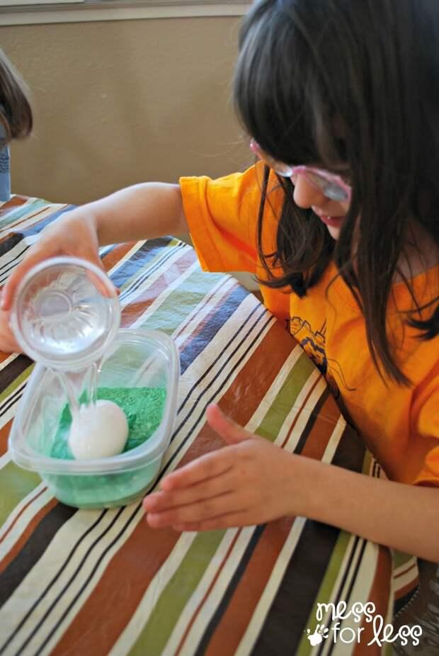 Супер простой, интересный и красивый способ покрасить яйца на Пасху