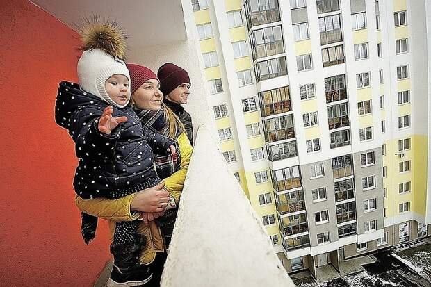 Минстрой РФ:  Динамика по вводу жилья в эксплуатацию растёт восемь месяцев подряд