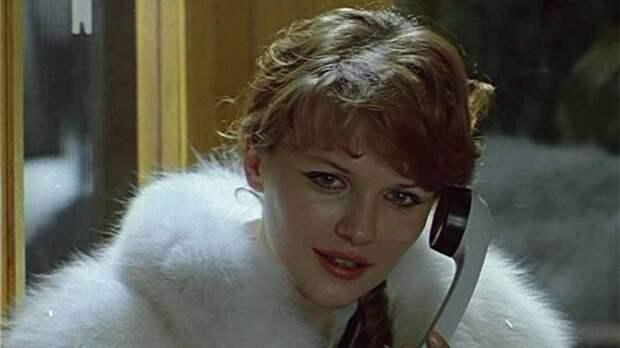 Самая красивая актриса советского кино так красиво уходит из жизни.