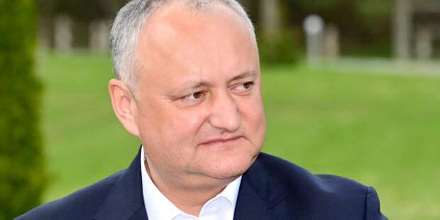 Игорь Додон возглавил шествие «Бессмертного полка» в Кишиневе