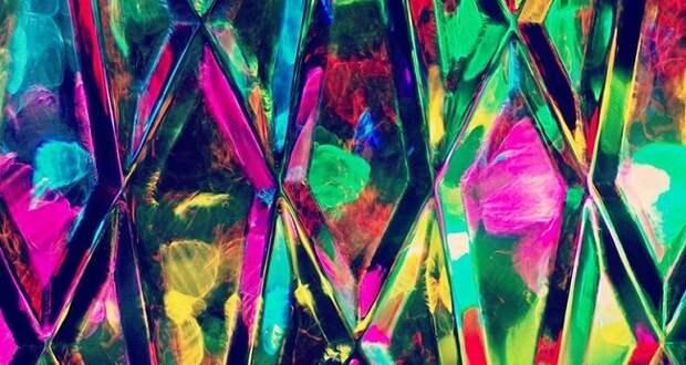 Физики нашли способ согнуть алмаз