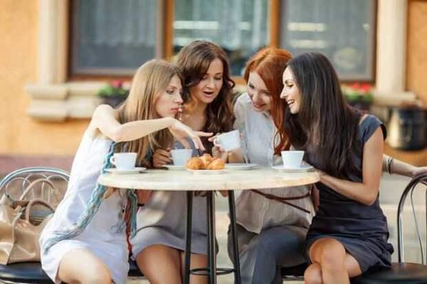 Почему женщинам не стоит обсуждать мужа с подругами?