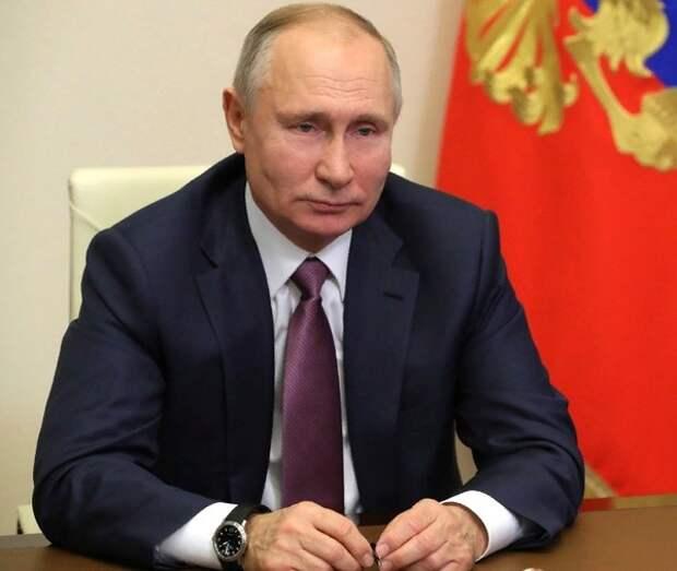 Вопрос об индексации пенсий работающим пенсионерам Путин назвал требующим обсуждения