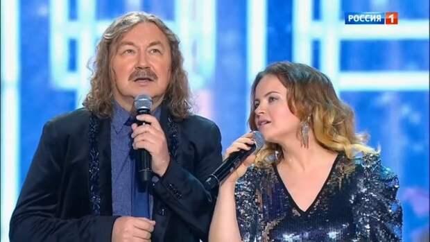 Жена Игоря Николаева ответила на слухи о разводе, а затем разместила красноречивое фото