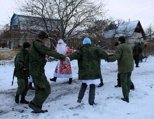 «У нас на этой войне свой окоп и своя позиция»: как волонтёры из России делают маленькое чудо для жителей Донбасса