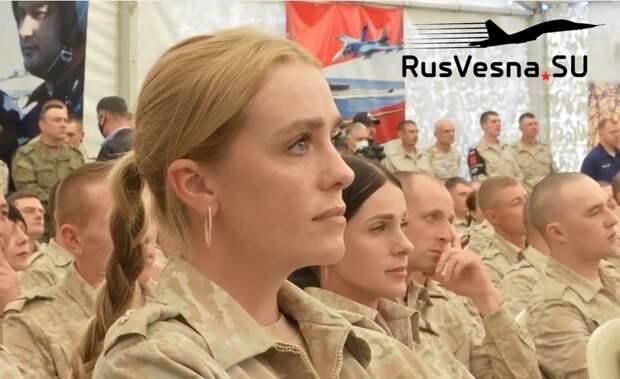 Конец французской оккупации Сирии: русские красавицы в погонах, база ВКС и министр обороны САР (ВИДЕО)