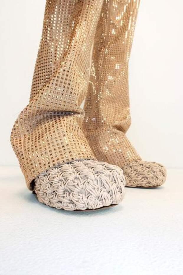 Итальянские дизайнеры сделали туфли-дошираки