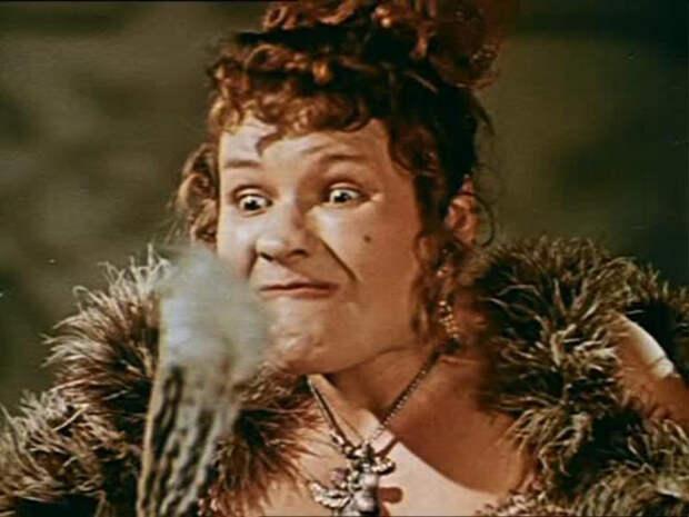 Актрисе обесцвечивали брови, а в нос вставляли пробки, чтобы сделать его в форме картошки