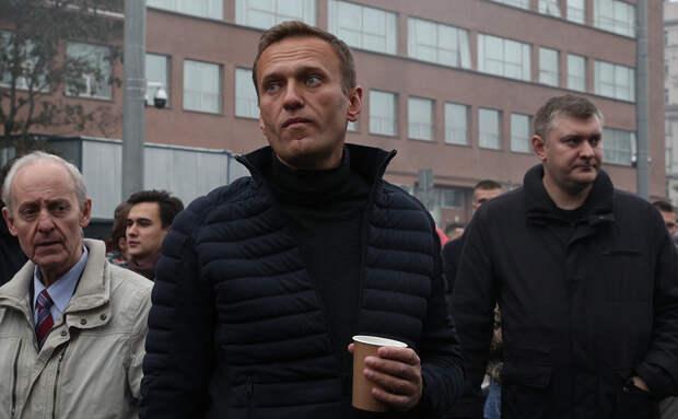 Навальный отравлен. Он в коме.