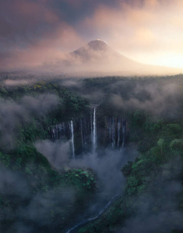 Водопад Тумпак Севу, Индонезия. Фото: Тони Ванг.