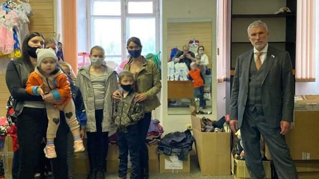 """Глава партии """"Родина"""" выслушал жалобы жителей отдаленных районов Псковской области"""