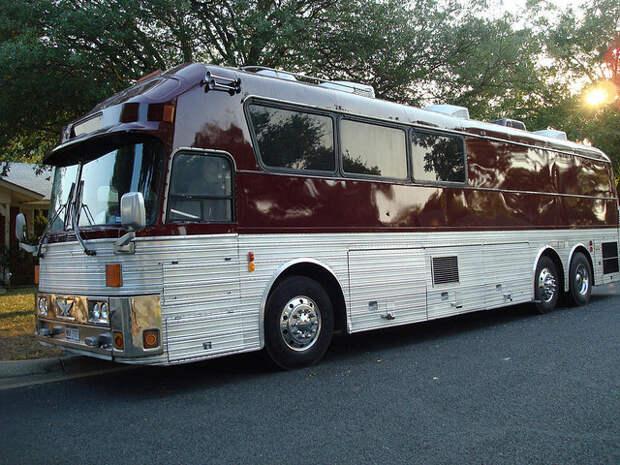 10 Eagle bus