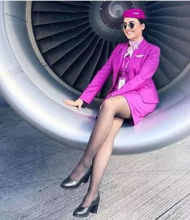 Ножки стюардесс. Подборка chert-poberi-styuardessy-chert-poberi-styuardessy-34370108022021-9 картинка chert-poberi-styuardessy-34370108022021-9