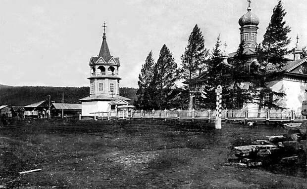 Воскресенская церковь в Чечуйске | Автор фото неизвестен