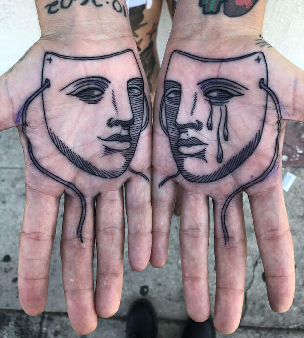 13 необычных вариантов тату на ладонях