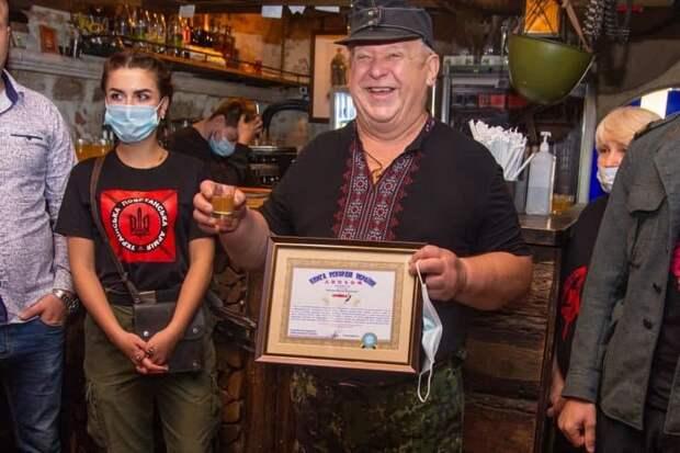 Украинское позорище: Чья колбаса длиннее?