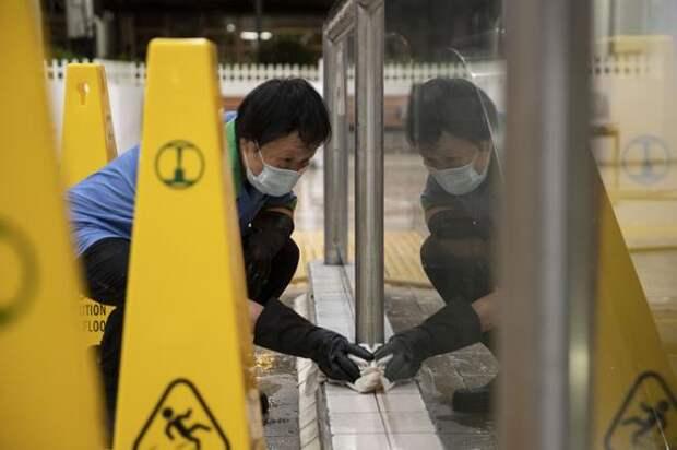Власти КНР ввели карантин в городе на границе с Россией из-за двух случаев коронавируса