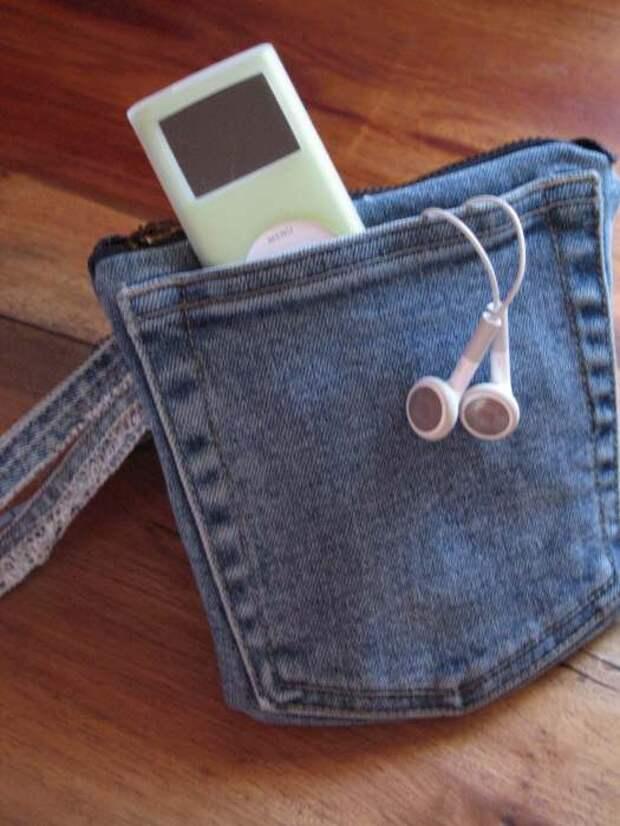 Старые джинсы сослужат добрую службу и для гаджетов. /Фото: cdn.instructables.com