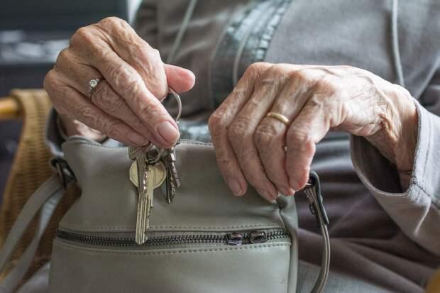 Житель Удмуртии, взявший в заложники бабушку жены, получил условный срок