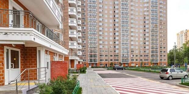 Собянин осмотрел построенный в ходе реновации дом в Северном Измайлове. Фото: М. Денисов, mos.ru