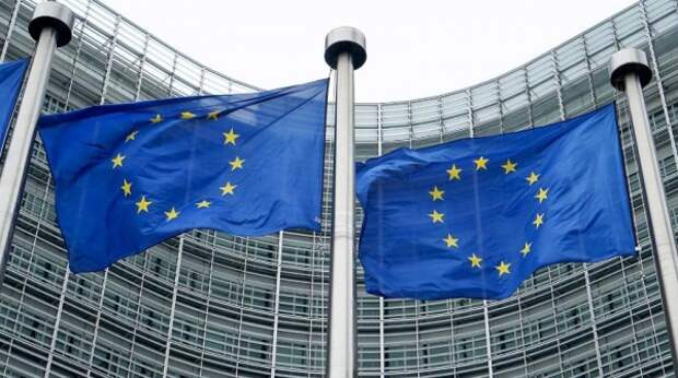 В Венгрии обсуждают выход из-под давления ЕС