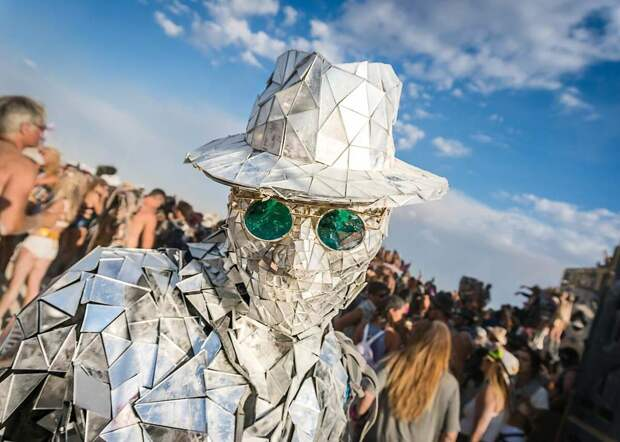 Организаторы отменили Burning Man. Что будет вместо фестиваля?