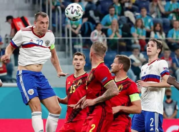 Лещенко - о сборной России: «В какой футбол они играют. Это футбол Дзюбы. Это же беда, такая профанация, одни навесы и навесы»