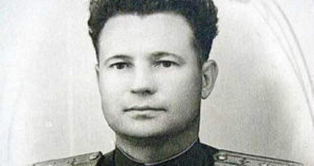 Советский летчик, который был награжден и Гитлером, и Сталином