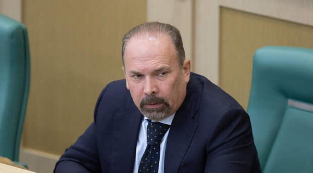 Очередной крупный чиновник «вышел сухим из воды». Он обвинялся в растрате